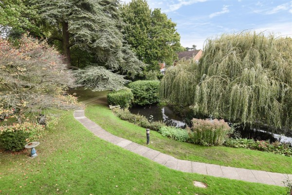 View Full Details for Willow Court, Reading Road, Wokingham, Berkshire RG41 1EG - EAID:MICHARAPI, BID:1